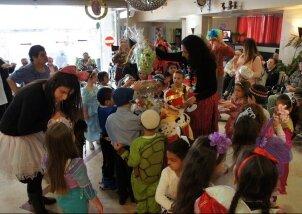 ביקור חגיגי של ילדי גן ותלמידות חטיבת ישורון (20)