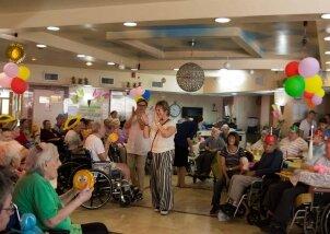 חגיגות יומולדת לילידי חודש יולי פעילות מתנדבות (13)