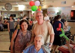 חגיגות יומולדת לילידי חודש יולי פעילות מתנדבות (4)