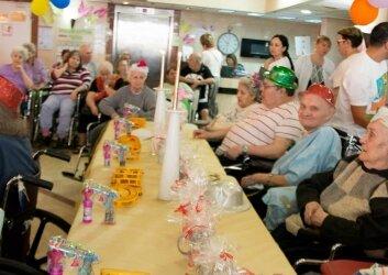 חגיגות יומולדת לילידי חודש יולי פעילות מתנדבות (5)