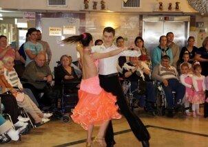 מופע ריקודים סלוניים בנאות השרון (1)